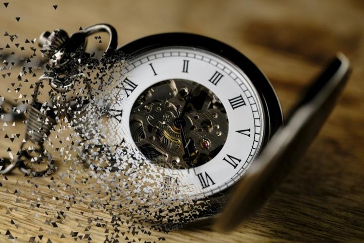 time-losing-time-clock-pocket-w(1).jpg